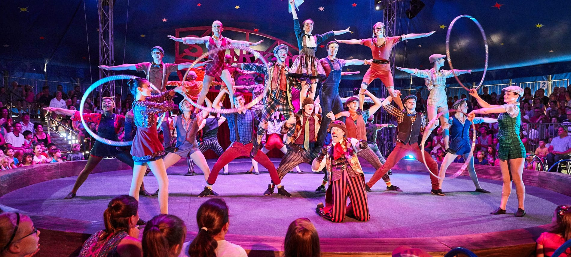 performance cast on stage at the Circus Smirkus Big Top show