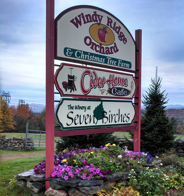 sign for windy ridge apple orchard